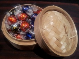 MIXED LINDT LINDOR TRUFFLES IN BAMBOO