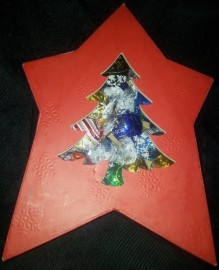 25 LINDT BALLS IN RED XMAS TREE BOX